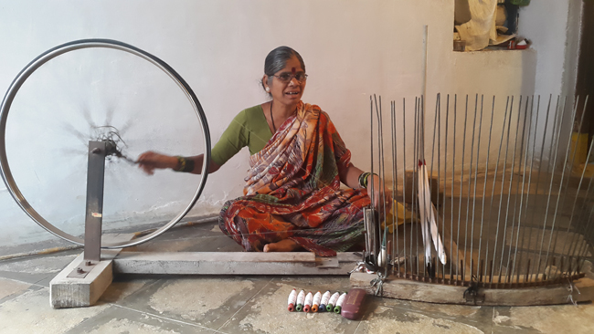 Chipa narsamma and Chipa anumayaa - The Handloom Ikat Artisans